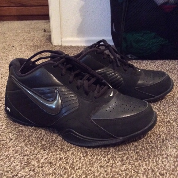 Nike Shoes   Nike Mens Air Baseline Low